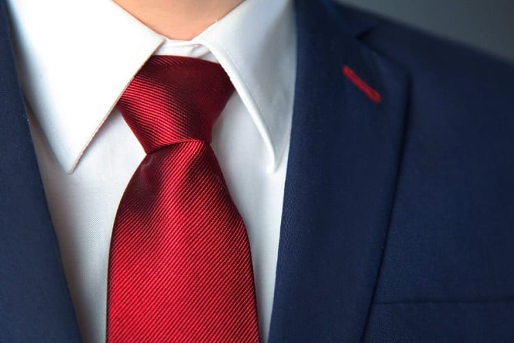 Choose the Tie Color Smartly